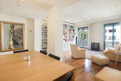 Cozy apartment in Barcelona in prestigious area of Sant Gervasi